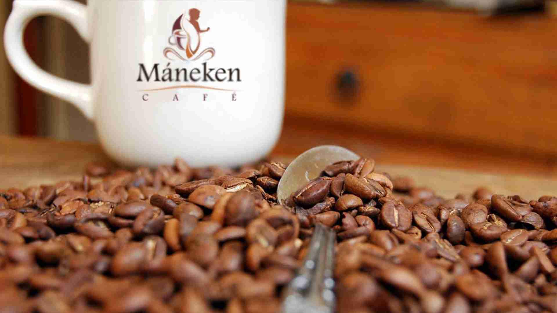 Incitante aroma que penetra los sentidos: Máneken Café