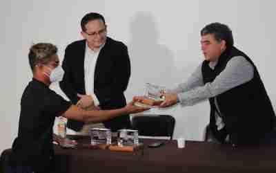 Entregan Premios Presidencial Taza de Excelencia 2021 a productores del Edomex