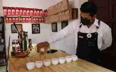 Promueven el café de especialidad poblano en barras de la entidad